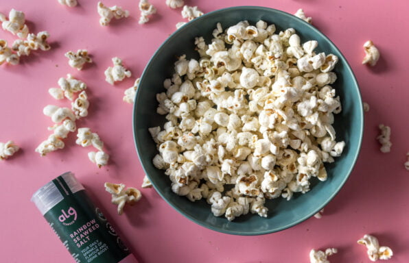 Alg Seaweed Popcorn flat lay with product