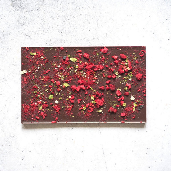 raspberry rainbow seaweed - dark chocolate - closeup